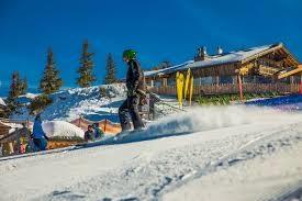 Dlaczego warto wybrać się do serwisu nart?